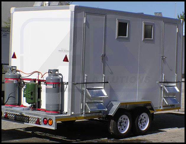 4-Cubicle-Mobile-Shower-image