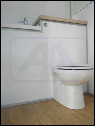 Maxi-2-toilet-Inside