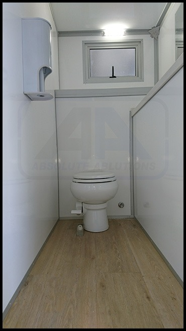 Cleanflush-Maxi-4---4-Toilet-Urinal-Outside-image